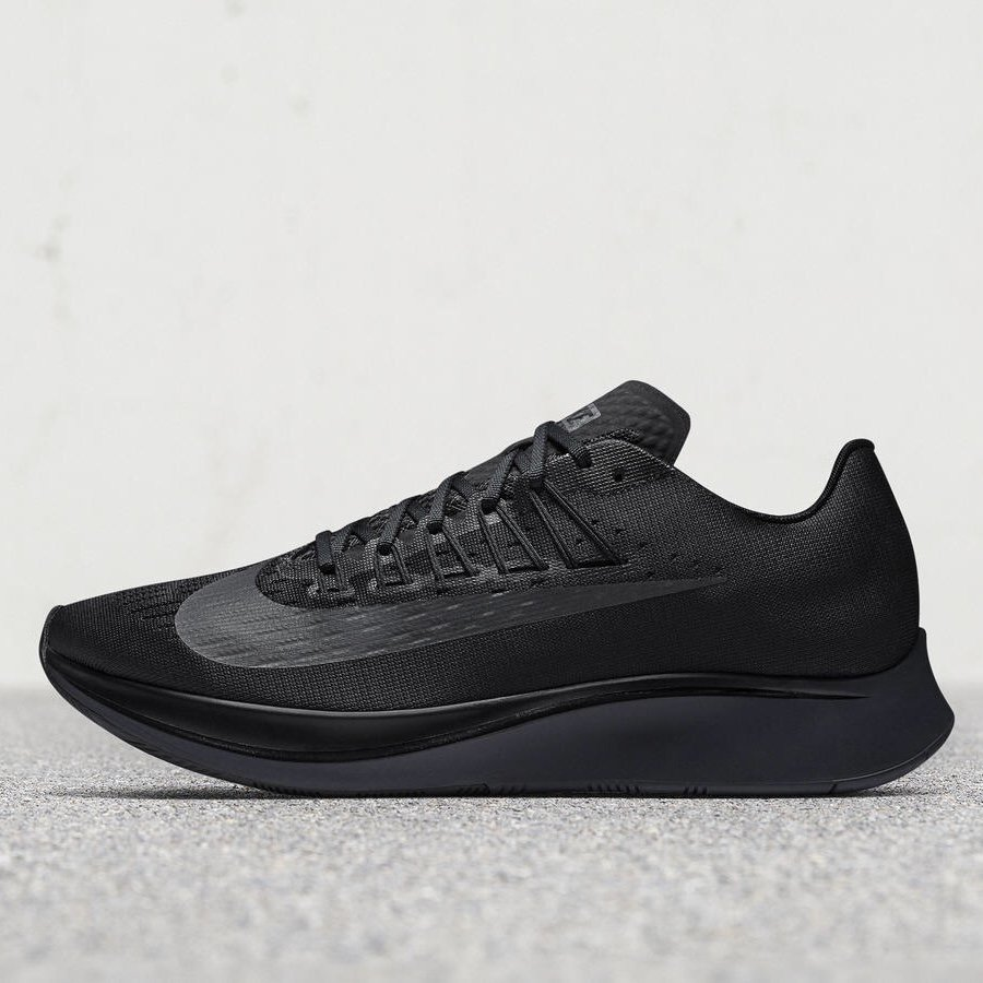 new style cf069 7fdb6 NIKE ZOOM FLY TRIPLE BLACKが111に海外発売予定